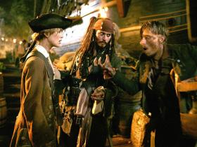 加勒比海盗2:聚魂棺.Pirates 2